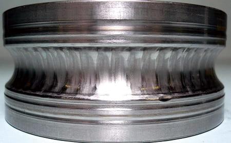 写真3-2 - 3.2.2 疑似ブリネル圧こん(振動腐食)